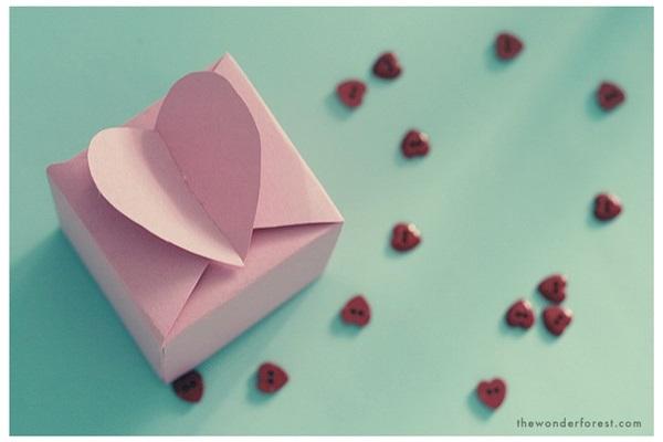 Des origamis faciles pour la f te des m res le blog de jolicours - Origami boite coeur ...